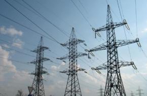 Україна розпочала постачання електроенергії до Криму за ринковими цінами