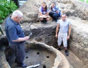 На Волині знайшли 600-літню гончарну піч