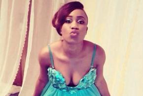 Нігерійська співачка запропонувала свою цноту в обмін на викрадених школярок