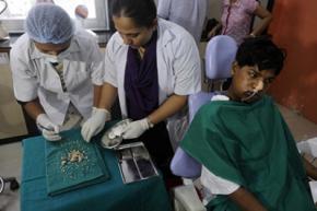 Хирурги удалили индийскому подростку 232 зуба