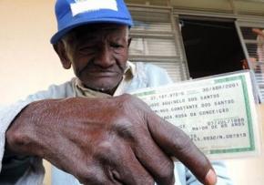 126-летний холостяк из Бразилии 50 лет курит по пачке сигарет в день
