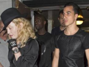 Молодий бойфренд Мадонни розповів про свій потяг до зрілих жінок