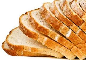 У білому хлібі є, як мінімум 8 причин, щоб відмовитися від нього на користь цільнозернового хліба