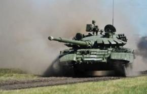Российские танки, самолеты и вертолеты в районе Луганска чувствуют себя