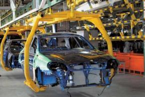 В Україні виробництво легкових автомобілів впало майже в тридцять разів