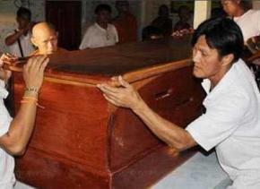 Буддійський монах пообіцяв замедитуровати себе до самозагоряння