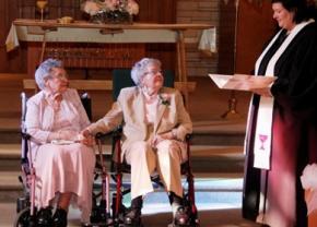 Две американки заключили брак после 72 лет совместной жизни