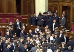Две трети действующих депутатов Рады снова идут в парламент