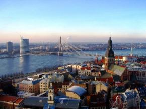 В Латвии приостановят выдачу россиянам видов на жительство
