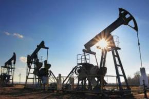 На світових ринках нафта стрімко падає в ціні