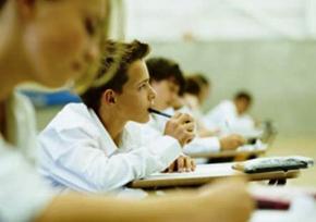 Тестування з української мови і літератури буде обов'язковим для всіх випускників шкіл