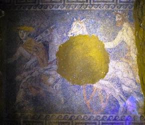 В Греции археологи обнаружили напольную мозаику IV века до нашей эры