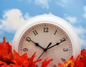 Коли в Україні переводять годинники на зимовий час?