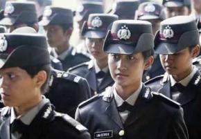 В Индонезии женщин-полицейских заставляют проходить тест на девственность