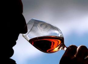 Умеренное винопитие полезно далеко не всем, - ученые