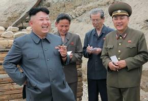 У КНДР чиновникам заборонили курити імпортні цигарки