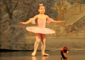 Восьмирічну Сашу Черненко визнали наймолодшою артисткою балету в Україні