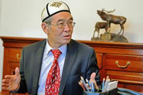 Киргизія збирається позбавити російську мову офіційного статусу