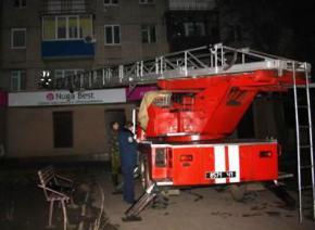 В Харькове вор-недотепа застрял в проводах