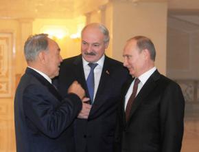 Путін заманює Білорусь і Казахстан у