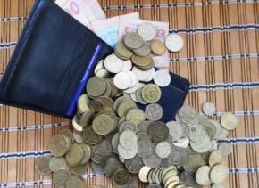 За год реальные зарплаты украинцев уменьшилась на 18%