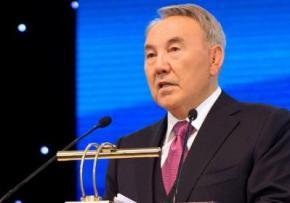 Казахстан переводить навчання у всіх школах на англійську мову