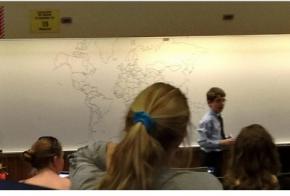 11-летний парень по памяти нарисовал политическую карту мира