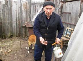 Російські школярі закидали камінням в'язня концтабору