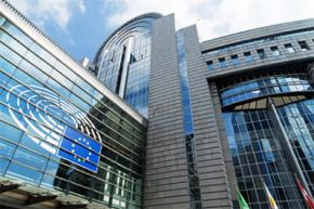 ЕС одобрил продление санкций против России