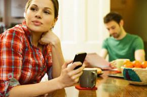 Любов до телефонів - причина розлучень