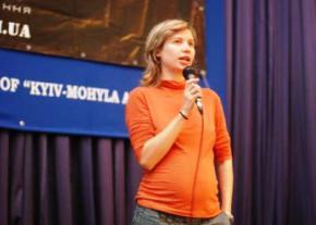 Россияне вручили Есенинскую премию матерной сепаратистке из Луганска