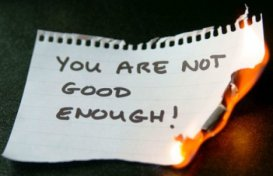 Факторы, влияющие на формирование заниженной самооценки