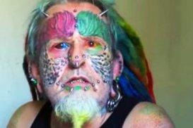 Англієць відрізав собі вуха щоб стати схожим на папугу